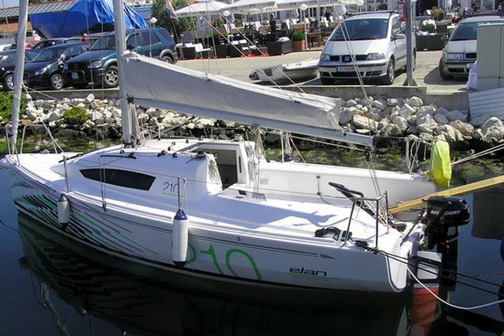 Elan 210